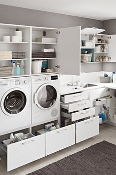 Pantry Laundry Room, Laundry Room Layouts, Laundry Room Remodel, Laundry Room Organization, Laundry In Bathroom, Laundry Baskets, Utility Room Designs, Minimal House Design, Modern Laundry Rooms