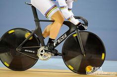 Track cycling tech: bikes of the stars Bordeaux, Track Cycling, Bicycle Parts, Gym Equipment, Stars, Mavic, Bikers, Clean Lines, Germany