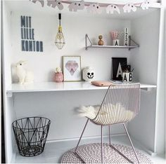 A fun desk space. One without a mac... what a surprise! ^_^