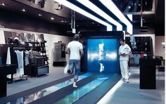 Adidas' new mi Innovation Center, an interactive retail space in Paris designed by Hamburg's Mutabor Design. Retail Experience, Customer Experience, Experience Center, Interactive Installation, Interactive Design, Point Of Sale, Digital Retail, Retail Technology, Monitor