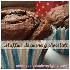Muffins de avena de chocolate bajos en calorías. Muffins sin azúcar, sin aceite, sin harina. Madalenas fitness light y saludables .                                                                                                                                                                                 Más