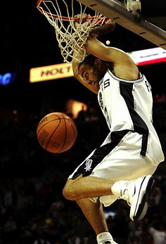 Tony Parker can dunk?