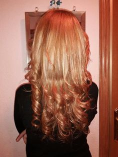 peinado de puntas rizadas con plancha cortes de pelo