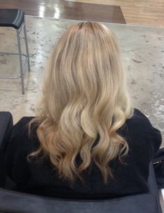 Blombre (blonde ombre) come see me at Primo Salon studio in Scottsdale Arizona and follow me on Instagram: andreaprchalhairaz