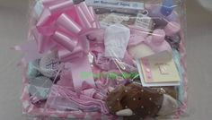 » DELUXE NEW BORN BABY GIFT BASKET (with Johnson's Baby Skincare products)
