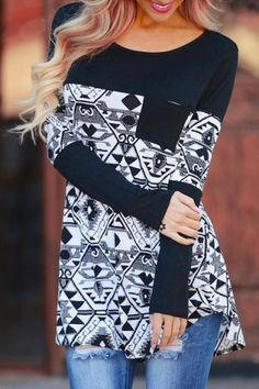 Stylish Scoop Neck Long Sleeve Color Block Pocket Design Women's T-Shirt