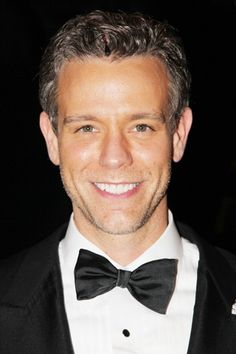 Adam looks handsome in his lawyer suit! - Adam Pascal - Chicago - Billy Flynn