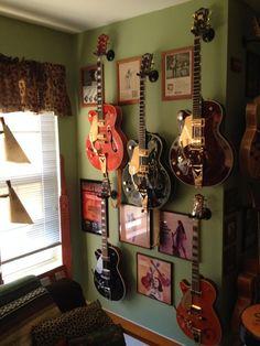 Plays like a dream…. a twangin' dream. Home Music Rooms, Music Studio Room, Guitar Room, Guitar Wall, Guest Room Office, Home Office Setup, Home Recording Studio Setup, College Dorm Decorations, Family Room