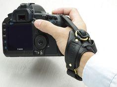 [画像] ULYSSES、一眼レフ・ミラーレス向けの本革リストストラップ(7/8) - デジカメ Watch Watch