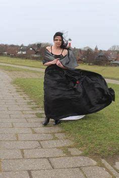 Satin Skirt, Satin Dresses, Pleated Skirt, Dress Skirt, Dress Wind, Wind Skirt, Periwinkle Dress, Pink Maxi, Kate Middleton News