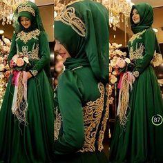 Sahra Zümrüt abiye PINAR ŞEMS FİYATI : 685₺  Alemdağ cad no 151 kat 1 Ümraniye bilgi ve sipariş için 0216 344 44 39 whatsaap 0554 596 30 32 #zuhal #butik #butikzuhal#sahra #zümrüt #tasarım #hijab #hijabfashion #hijabstyle #hijabers #hijablookbook #yeni #new#tesetturabiye #tesettür #tesettürgiyim #tesettürkombin #alişveriş #kına #nişan #nişanlık #pınarşems#ümraniye#moda#hotcoture