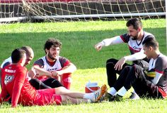 Incomodados em fazer parte das equipes que seriam rebaixadas para a A-3 do Paulista, jogadores do Mogi Mirim determinaram a palavra de ordem: união.