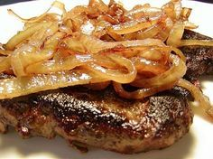 I love liver and onions! It is great with smothered, sliced red potatoes, grits,… I love liver and onions! Onion Recipes, Meat Recipes, Cooking Recipes, Healthy Recipes, Recipes With Beef Liver, Pork Liver Recipe, Healthy Foods, Jerkey Recipes, Chicken Liver Recipes