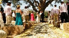 hay bale seats and tables :: western wedding in the californian wine country photographed by verite photography