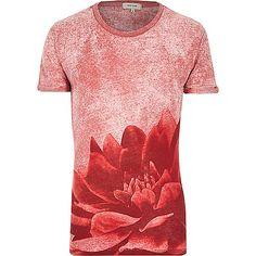 Red burnout flower print t-shirt - print t-shirts - t-shirts / vests - men Mens Holiday Clothes, T Shirt Vest, Shirt Men, Casual Wear For Men, Textiles, Hats For Women, Printed Shirts, Shirt Designs, Summer Outfits