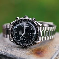 A day late for #speedytuesday but worth the wait. Omega Speedmaster Reduced just arrived, could be yours for Christmas on the website shortly thewatchobsession#speedmaster #speedytuesday #omega #moonwatch #watch #thewatcherist #bracelet #wrist #moon #moon