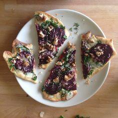 Focaccia met boerenkool, rode biet en blauwe kaas / Focaccia with Kale, red beets and blue cheese