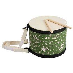 Trumma för barn av miljövänligt trä och trumskinn av naturgummi. Med reglerbart band så du kan hänga den på dig. En riktigt fin barntrumma.
