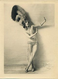 photos of vintage fan dancers   burlesque #vedette #plumas #artist #dance #vintage