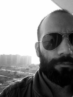Beard makes you look like a leader