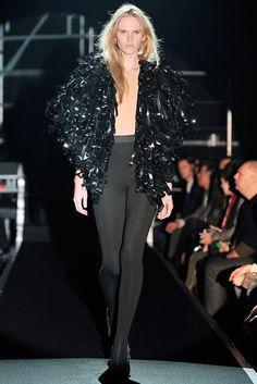 Maison Margiela Fall 2009 Ready-to-Wear Fashion Show - Anne Vyalitsyna