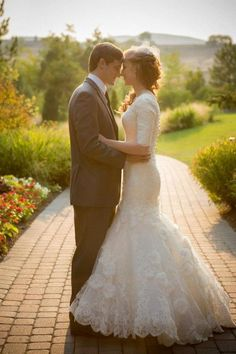 #wedding #dress #sleeves #modest #cool