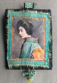 Tableau textile. Invitation au voyage. Vers un Japon par VeronikB Textile Jewelry, Fabric Jewelry, Textiles, Fabric Art, Fabric Crafts, Jewelry Crafts, Jewelry Art, Fabric Brooch, Fabric Journals