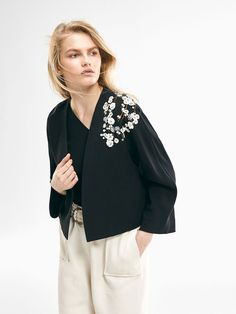Autumn winter 2016 Women´s LIMITED EDITION FLOWING EMBROIDERED JACKET at Massimo Dutti for 895. Effortless elegance!