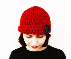 Red Bulky Skullcap with big black button - free pattern