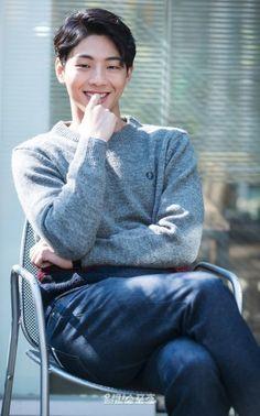 [일간스포츠 황소영] 배우 지수(23)가 JTBC 새 드라마 '힘쎈여자 도봉순'을 통해 호흡을 맞출 박보영과의 첫 만남에 대한 소감을 전했다. 2일 오후 서울 강남구 ...