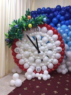 Типичный аэродизайнер Balloon Painting, Balloon Arch, Balloon Decorations, Christmas Decorations, Deco Ballon, Christmas Balloons, Theme Noel, Alice In Wonderland Party, Balloon Animals