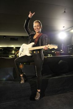 1000 Images About Women With Guitars On Pinterest Nita