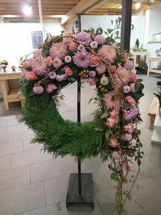 Funeral Floral Arrangements, Flower Arrangements, Christmas Wreaths, Christmas Decorations, Grave Decorations, Funeral Tributes, Sympathy Flowers, Flower Food, Christmas Wonderland