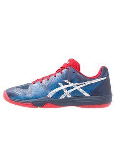 23a034d79 ¡Consigue este tipo de zapatillas de Asics ahora! Haz clic para ver los  detalles