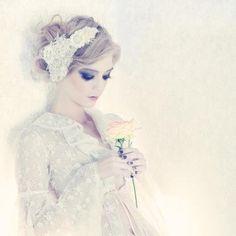 Couture headpiece by Viktoria Novak Design. For more #wedding ideas visit www.modernweddingblog.com.