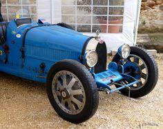 """Bugatti 35 """"Grand Prix"""" 1924/1931 - 8 cylindres en ligne - Cylindrée 2260 cm3 - env 140 cv et 210km/h - Photo Thierry.LTH Vercors - France"""