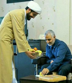 Iran Girls, Camping Wallpaper, Imam Hussain Wallpapers, Qasem Soleimani, Love In Islam, Islamic Paintings, Shia Islam, Flower Phone Wallpaper, Bee Art