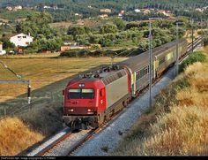 RailPictures.Net Photo: CP 5607 Caminhos de Ferro Portugueses Siemens CP 5600 series at Alcaria, Portugal by J.C.POMBO