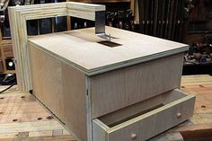 Woodworking Jigsaw Homemade Tools Source by Woodworking Journal, Woodworking Jigsaw, Unique Woodworking, Woodworking Skills, Woodworking Techniques, Woodworking Shop, Woodworking Plans, Woodworking Projects, Woodworking Inspiration