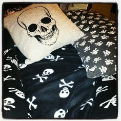 Skull bed accessories<3<3