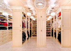 Dream closet. Yes. I could live here.