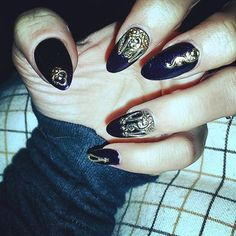 And grandeur.   30 Times Lily Allen Upped Her Nail Art Game