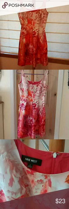 Nine West Dress Like wearing a sunset. Nine west floral. Princess seaming, back zip, pleats to flare, side seam pockets . Size 4 measures: 34 at bust 30 at waist, flared skirt, 29 from top of back zip. Nine West Dresses