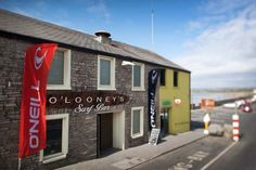 O'Looneys, Lahinch - too many nights that turned into mornings spent here! County Clare, Pub Crawl, Luck Of The Irish, My Heritage, England Uk, Ancestry, Mornings, Places Ive Been, Surfing