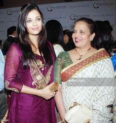 To go with Entertainment-India-Bollywood-women-family, FOCUS by Shail Kumar Singh In this undated file photo taken in Mumbai, Bollywood actress Aishwarya Rai Bachchan is pictured with her mother. Actress Aishwarya Rai, Aishwarya Rai Bachchan, Bollywood Actress, Madhuri Dixit, Bollywood Fashion, Bollywood Style, Kareena Kapoor, 2000s Fashion, Indian Outfits