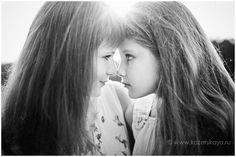 Family photosession - mother and daughter at golden hour / Семейная фотосессия - мать и дочь - на закате. Детский фотограф.