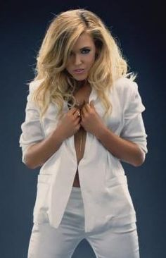 Rachel Platten, about to reveal the tits and the tummy that will save the music industry!!!