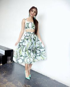 "Kathryn Chandria M. Bernardo (@bernardokathqueen) on Instagram: ""Follow the Teen Queen IG: @bernardokath Tw: @bernardokath FB: Kathryn Bernardo Official…� Dress Outfits, Fashion Outfits, Womens Fashion, Dresses, Beautiful Asian Women, Beautiful People, Kathryn Bernardo Outfits, Filipina Actress, Asian Fashion"