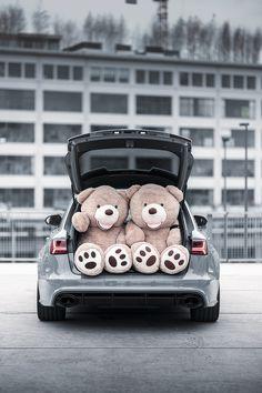 Huge Teddy Bears, Big Teddy, Bear Wallpaper, Kawaii Wallpaper, Teddy Bear Party, Romantic Surprise, Love Bear, Aesthetic Wallpapers, Cosy