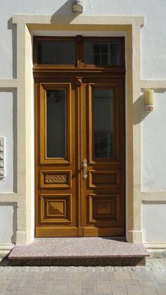 Haustüren alter stil  Eine neue Haustür? | Türen | Pinterest | Haustüren, Restaurieren ...